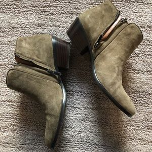 Sam Edelman Petty - Moss Green - Size 9.5M
